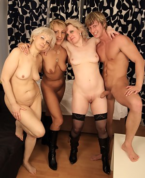 Free Moms Foursome Porn Pictures