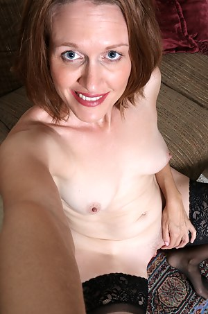 Free Moms Selfshot Porn Pictures