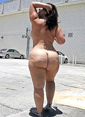 Free Moms Public Porn Pictures