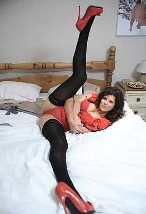 Free Flexible Moms Porn Pictures