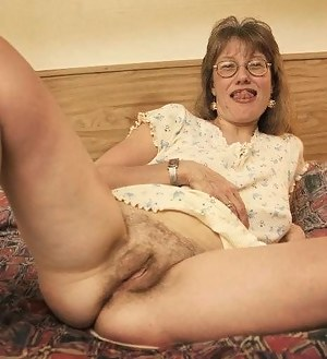 Free Moms Tight Pussy Porn Pictures