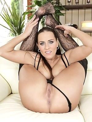 Free Flexible Moms Porn Pictures