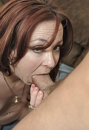 Free Moms Deepthroat Porn Pictures