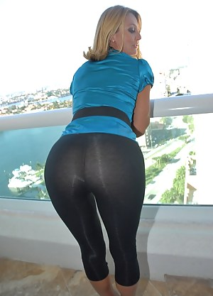 Free Moms Yoga Pants Porn Pictures