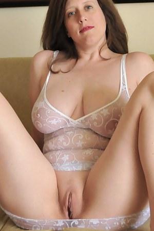 Hot Moms Pussy Pics
