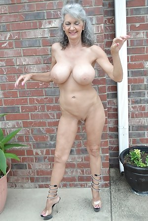 Apologise, but, Sweet amateur mom naked