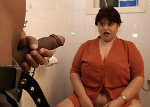 Free Moms Toilet Porn Pictures