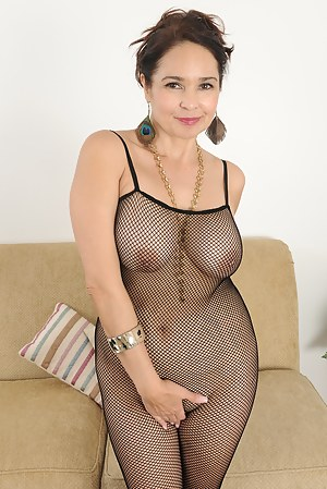 Free Moms Fishnet Porn Pictures