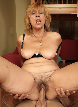 Free Moms Hardcore Porn Pictures