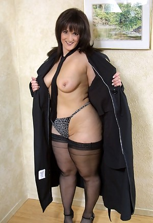 Free Moms Thong Porn Pictures