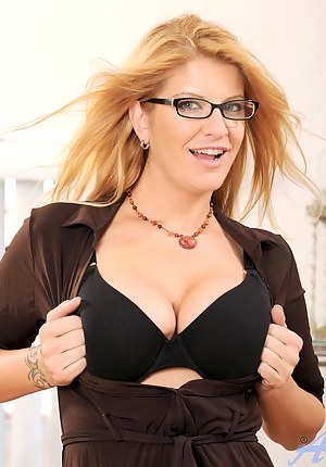 Free Moms Beauty Porn Pictures