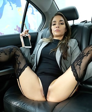 Please where Naked mom in car