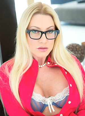 Free Moms Glasses Porn Pictures